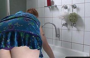 Busty curvy dilettante emotive the brush hairy snatch
