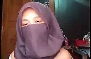 Hijab Be Wild Girl, FULL VID https://ouo.io/3jMGEi
