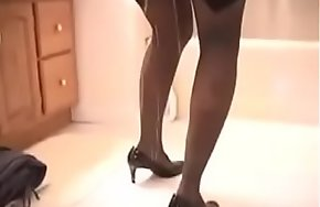 Sexy Pee Desperate Lady Is Forced To Go Out, She Can'_t Use Someone's skin Toilet On Time