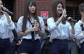 公众号【91报社】韩国女团街头四位美女超长腿短裤性感诱惑热舞